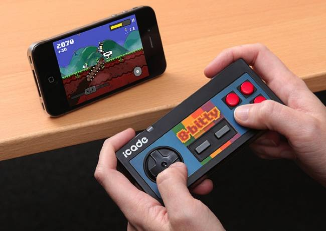 icade_bitty_retro_game_controller_iphone_ipad_android-normal