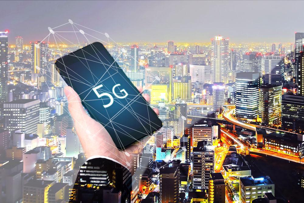 Как прогнозируют в Counterpoint Research, рост будет медленным во время начальной фазы коммерческого внедрения сетей 5G в 2019 году. Сдвиг произойдет, когда страны перейдут на отдельную инфраструктуру пятого поколения