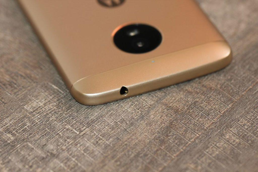 Moto E4 Plus . 3.5 разъем