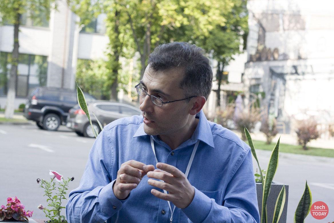 """Леонід Пономаренко: """"щодо початку моєї кар'єри, то як аспірант я жив в Амстердамі майже 5 років"""""""
