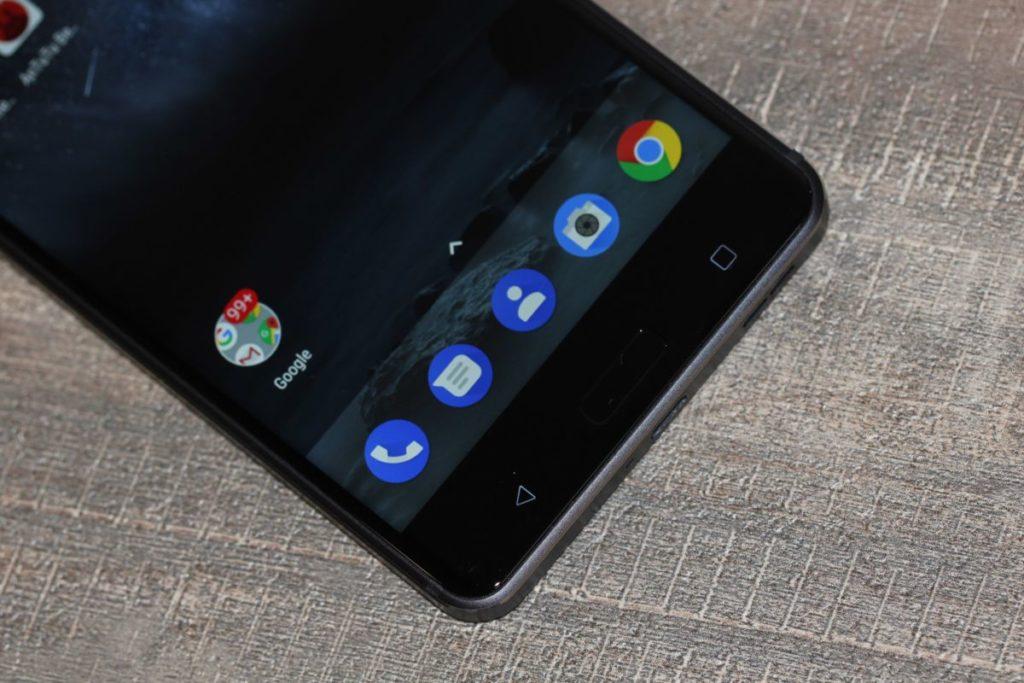 Nokia 6. Фронтальні кнопки з підсвічуванням