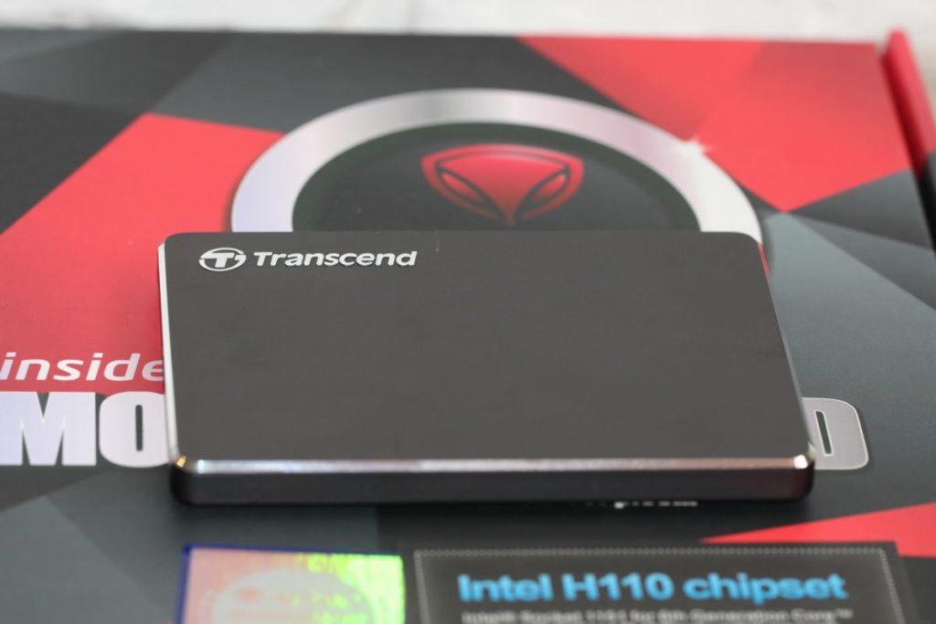 Transcend StoreJet 25C3N. Используемые материалы в корпусе