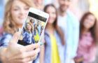 Як знімати селфі на задню камеру смартфона