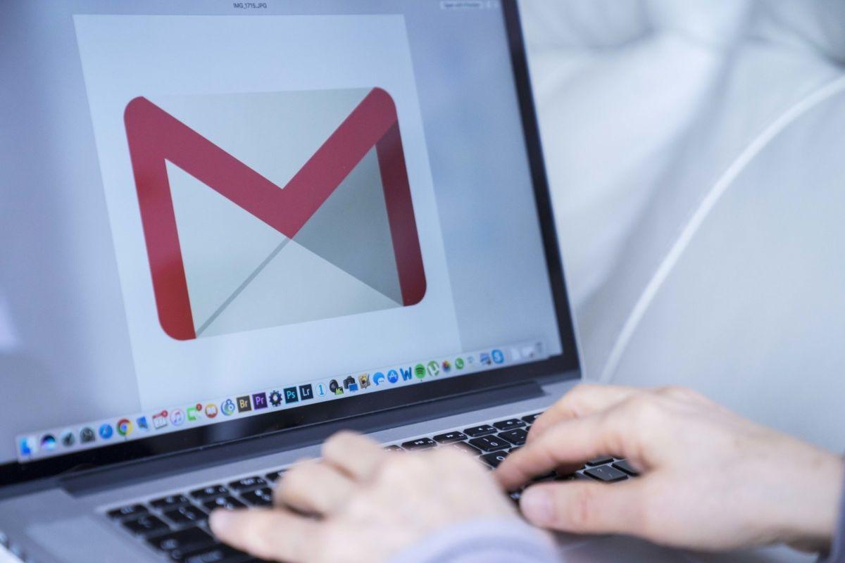 Як відновити видалені контакти Gmail