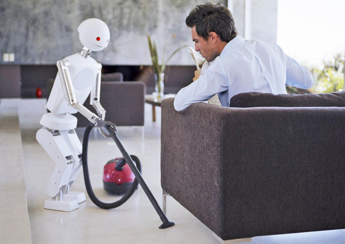 Аналітики ABI Research вважають, що ринок домашніх роботів буде найближчими роками активно рости. За їхніми прогнозами, до 2026 року він досягне позначки в 100 млн проданих за рік пристроїв. За ці девайси користувачі заплатять 23 млрд доларів.