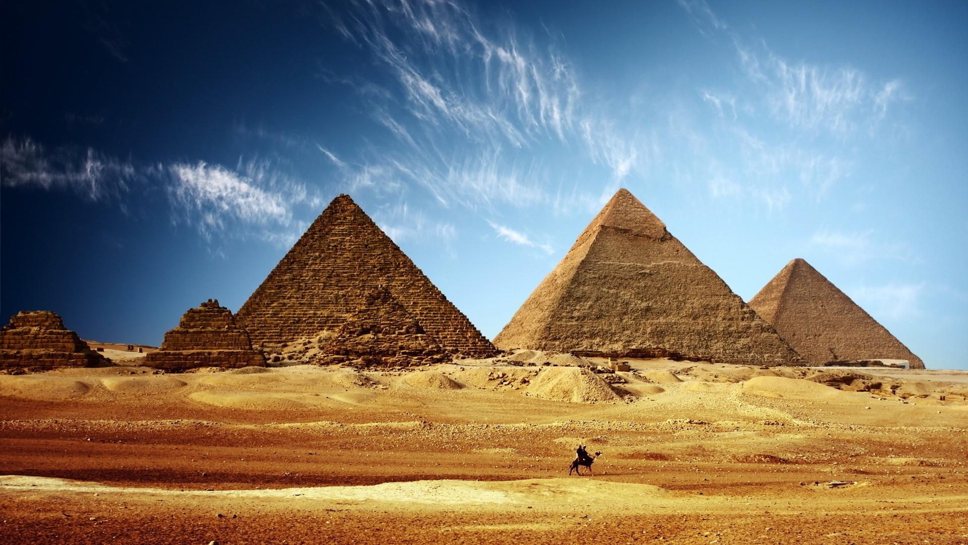 https://techtoday.in.ua/wp-content/uploads/2020/03/7033142-pyramids-egypt-wallpaper.jpg